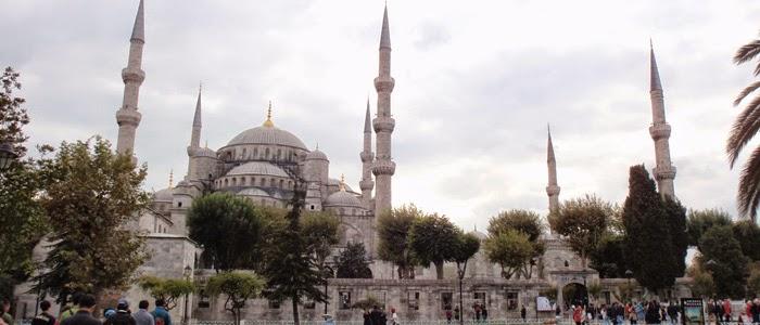 turistler-sultanahmet-te-zehir-soluyor
