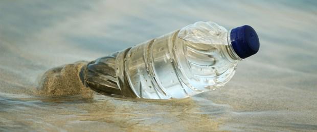 okyanuslarda-baliktan-cok-plastik-yuzecek