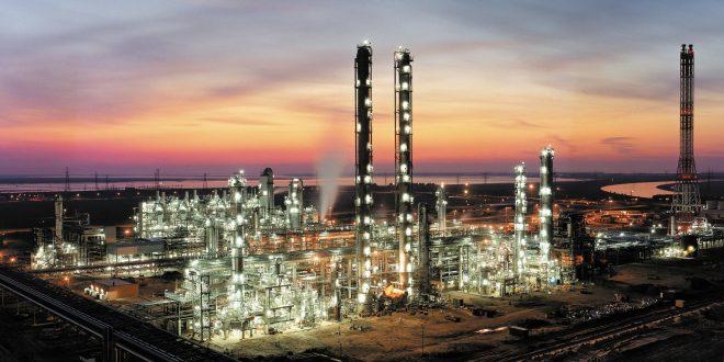 azerbaycanli-yatirimcilar-kars-ta-petro-kimya-tesisi-kuracak