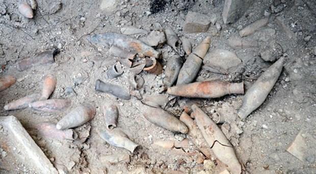 istanbul-avcilar-da-1400-yillik-ilac-siseleri-bulundu