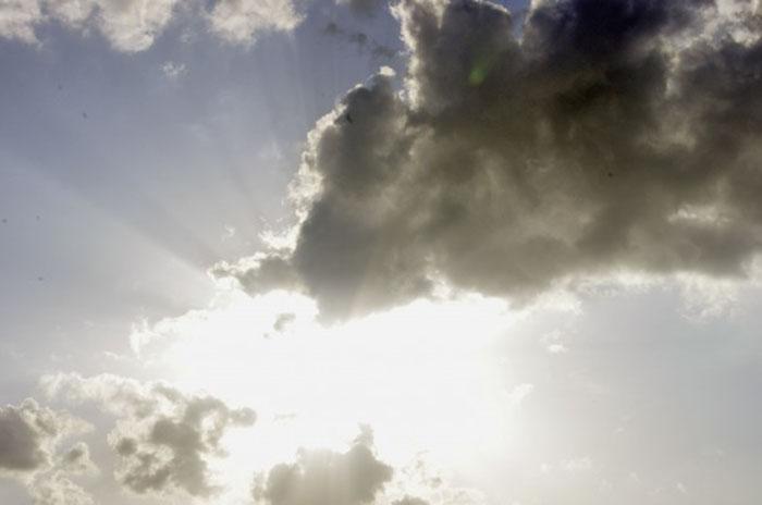 bir sahil askinin hayali uzun sureli gunes kremi yolunda bir adim - Bir Sahil Aşkının Hayali: Uzun Süreli Güneş Kremi Yolunda Bir Adım