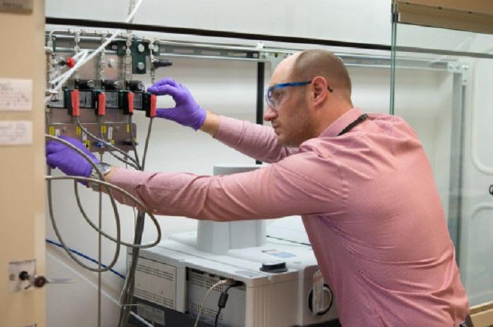 Bilim İnsanları Vanadyumu Hidrojenasyon İçin Yararlı Bir Katalizör Haline Getiriyor