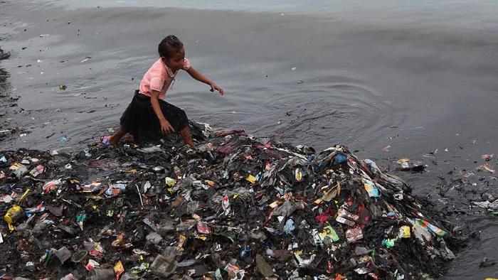 Plastik Atıklar Okyanusları Tehdit Ediyor