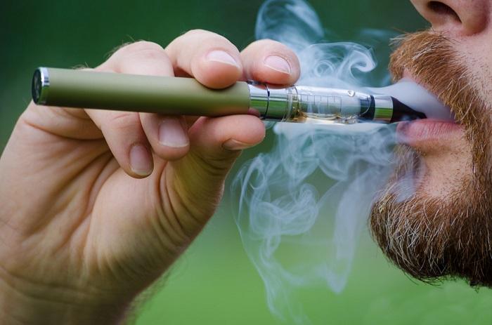 Araştırmalar, E-Sigaranın Tütün Kadar Zararlı Olduğunu İleri Sürdü; Ancak Kilit Bir Nokta Var