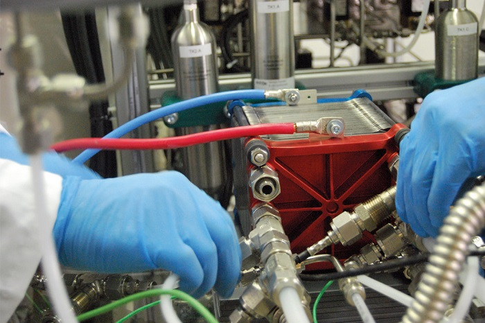 Araştırmacılar Su ve Alüminyum Kullanarak Hidrojen Oluşturmayı Başardılar!