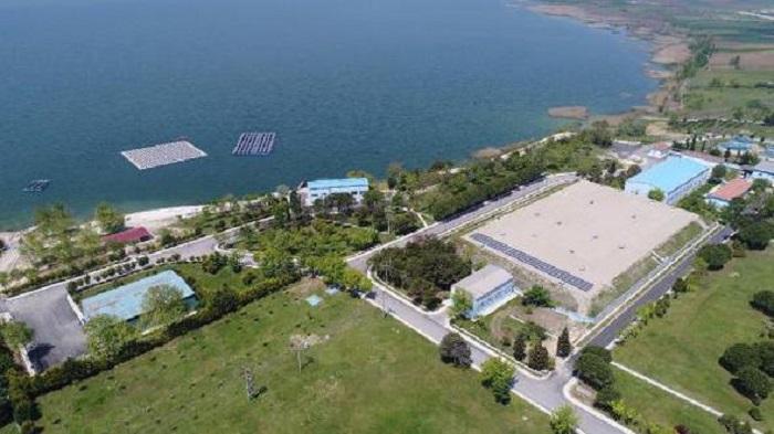 turkiyenin ilk yuzer gunes enerji santrali buyukcekmece golunde - Türkiye'nin İlk Yüzer Güneş Enerji Santrali Büyükçekmece Gölü'nde